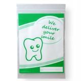 Dentalbeutel weiß eingefärbt We deliver your smile  grün  LDPE 50 my 180 x 250 + 230 mm  1000 Stück